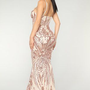 Queen of love Pink rose gold sequin gown